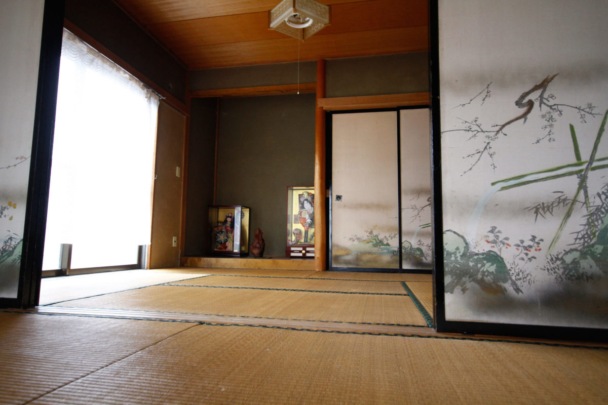 Art-Residency-Shiro-Oni-Japan-Artist-House-Bedroom-01
