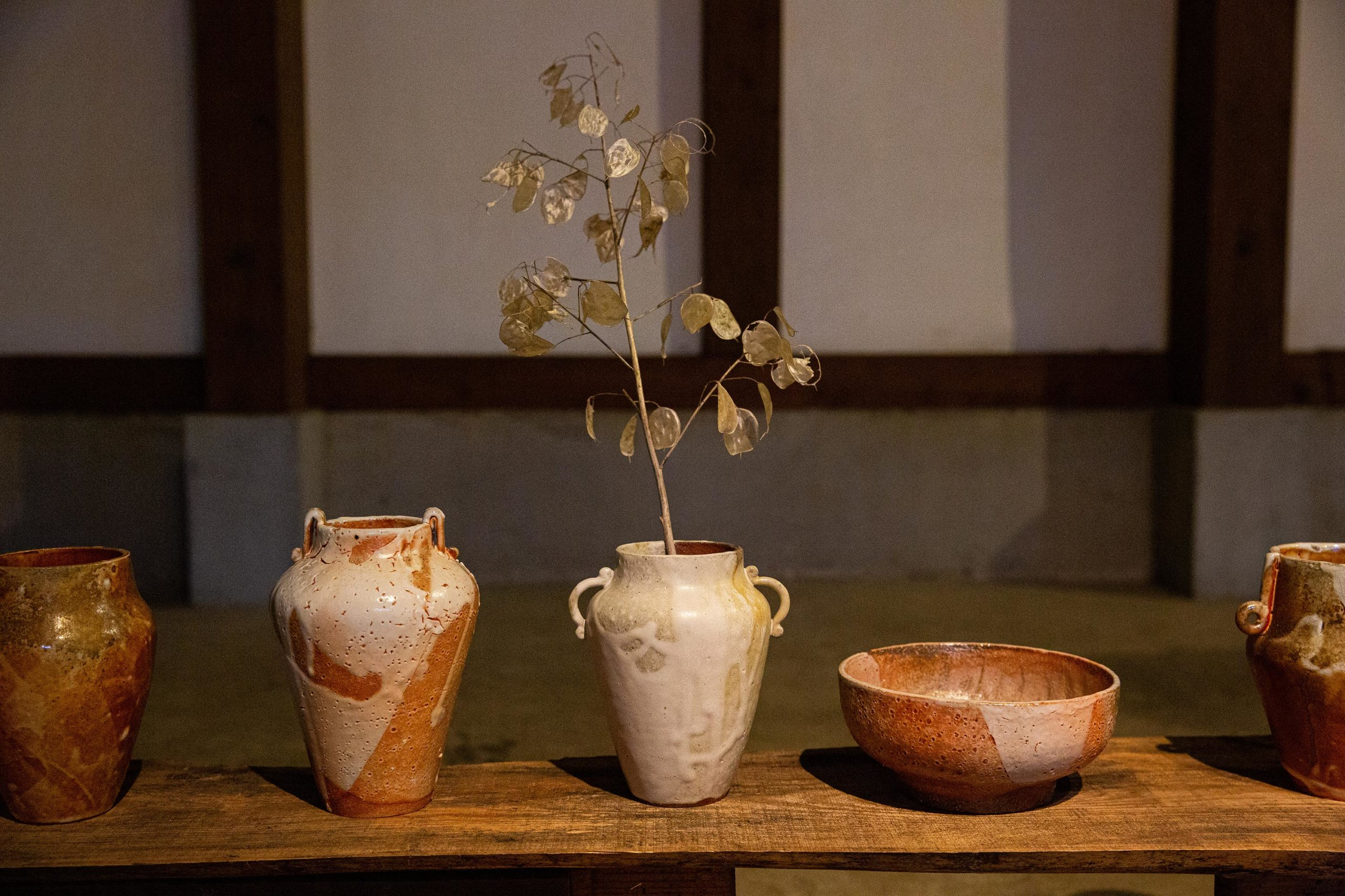 Sophie-Eveleigh anagama-fired vases art exhibition in Japan
